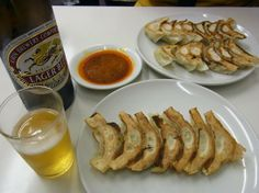"""In Kobe, there are some """"gyoza only"""" restaurant"""