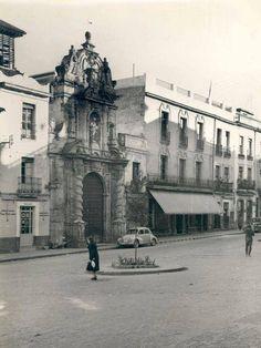 Plaza del Salvador (ahora Capitulares), Iglesia de San Pablo y casa de mis Abuelos.