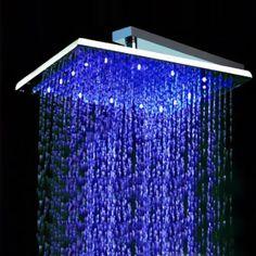 € 99   Soffione doccia quadro in acciaio inossidabile LED 3 colori che indicano livelli di temperatura differenti   Shower panel in stainless steel 3-color LED to indicate different temperature levels   cm 32,5x32,5