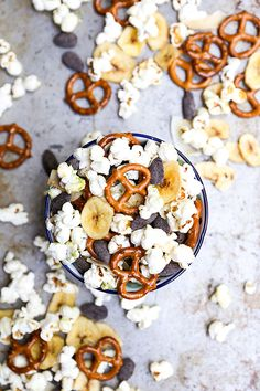 Tropical Popcorn Snack Mix   www.floatingkitchen.net