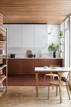 Outstanding modern kitchen room are offered on our web pages. look at this and you wont be sorry you did. Interior Desing, Interior Architecture, Kitchen Dinning, New Kitchen, Room Kitchen, Küchen Design, House Design, Design Ideas, Wood Floor Pattern