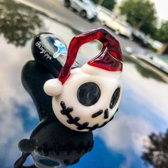 Tag your friend who likes Skellington Chameleon Glass - Skellington Santa Glass Pipe Available on our online store Price: click the link in bio Free USA Shipping KINGS-PIPE. Glass Pipes And Bongs, Glass Water Pipes, Glass Bongs, Weed Pipes, Weed Bong, Cool Pipes, Cool Bongs, Online Head Shop, Pipes And Bongs