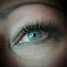 """1 """"Μου αρέσει!"""", 1 σχόλια - Dimitra Gkouzou (@dimitra.gkouzou) στο Instagram: """"Βλεφαρίδες εξτένσιον . . . . #nailsfoils #permanentmakeup #hairstroking #eyebrows #eyebrowshaping…"""""""