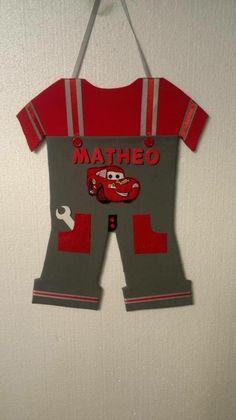 plaque de porte/decoration de chambre cars rouge et grise - décoration pour enfants - La boite à bibjoux - Fait Maison