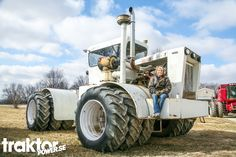 Big Bud HN250 in Indiana, USA.