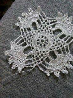 Captivating Crochet a Bodycon Dress Top Ideas. Dazzling Crochet a Bodycon Dress Top Ideas. Crochet Motifs, Crochet Art, Crochet Squares, Irish Crochet, Vintage Crochet, Crochet Doilies, Crochet Flowers, Crochet Stitches, Crochet Patterns