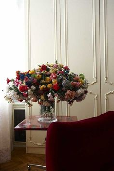 amazing flower bouquet in studio of Susanne Bisovsky