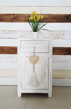 Light table · 1 drawer and door- Mesa de luz · 1 cajón y puerta Lightbox 1 drawer and antique wooden door 1000 x 1539 - Furniture Makeover, Diy Furniture, Chalk Paint Furniture, Wooden Doors, Light Table, My Room, Bedroom Decor, Interior, Home Decor Ideas
