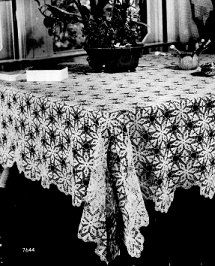 Tablecloth 7644 from 1946.  Free crochet pattern.