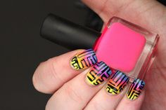 Polish All the Nails: Sunset Gradient Maze Nails!