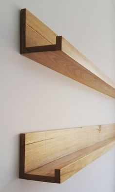 A Great way to enhance your entrance hallway or kids bedroom. A Great way to enhance your entrance hallway or kids bedroom. Floating Shelves Diy, Wood Shelves, Hallway Shelving, Storage Shelves, Diy Regal, Picture Shelves, Shelves In Bedroom, Diy Holz, Shelf Design