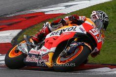 Comienza la temporada 2015 de MotoGP con los primeros test de Sepang. Galería de fotos   Motociclismo.es