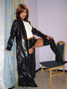 https://flic.kr/p/afZFsb | Lady dressed in vinyl-leather coat | Naughty and disobedient enough to withstand my shinyness and atractivity!