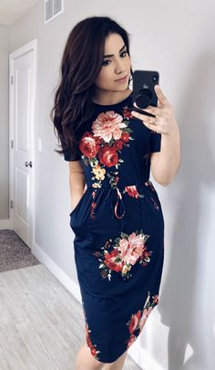 @thedarlingstyle Navy Floral Midi Dress | Floral Dress | Modest Fashion Skirt Style. Modest Fashion. Getting Into The Spring Chic Style. Moda.   Perfect for spring, and your closet! ;) Casual Jane Midi Dress, with tied waist and pockets!
