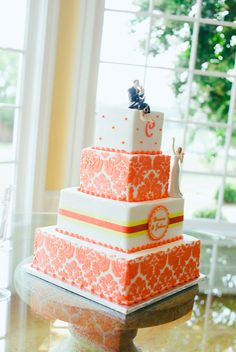 What a beautiful cake from Coffey Cakes! Photo by KD Burke Photography