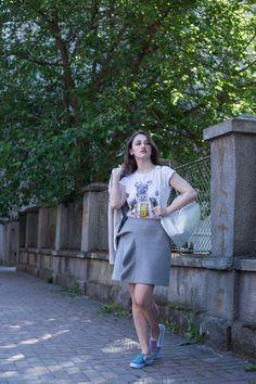 white backpack on dilekaspires.com