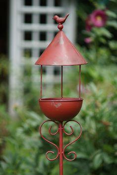 Vogelfutterhaus rot