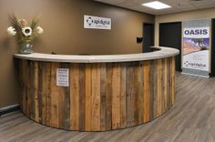 COUNTER OR BAR FROM WOOD PALLETS