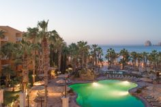 When staying at @palmarcabo Beach Resort & Spa #loscabos be sure to take a sunset stroll & don't forget ur camera!