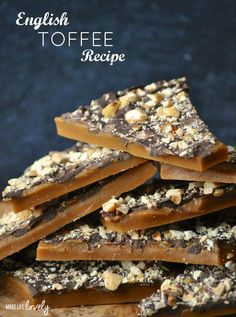 The BEST English Toffee Recipe! Learn how to make the BEST English toffee that looks and tastes amazing! English toffee is the perfect holiday candy treat for parties and Christmas gifts. Homemade Toffee, Homemade Candies, Easy Toffee Recipe, Vegan English Toffee Recipe, Toffee Recipe No Nuts, Almond Butter Toffee Recipe, Toffee Bar Cookie Recipe, Chocolate Covered Toffee Recipe, Toffee Peanuts Recipe
