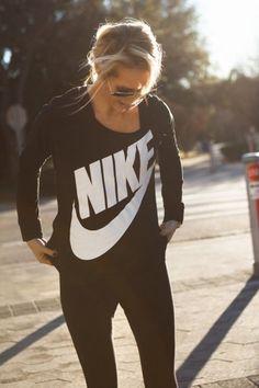 Black Nike long-sleeve and leggings - This fashion