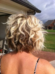 Curly Angled Bob Haircut Pictures Amazing