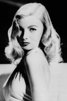 Veronica Lake's iconic cascading waves