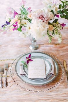 Wedding place setting inspiration: http://www.stylemepretty.com/little-black-book-blog/2014/06/03/trouvaille-workshop-wedding-inspiration/   Photography: Bradley James - http://www.bradleyjamesphotography.com/
