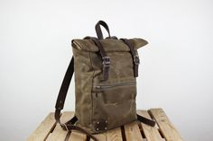 Canvas Backpack/ Leather backpack/ Waxed canvas van Phestyn op Etsy