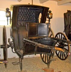 Hansom Cab Cole & Son 1861 Made in London On display at the Flynge Stud Farm, Sweden Photograph and caption, Jacqueline Banerjee, Horse Wagon, Horse Drawn Wagon, Vintage Dance, Old Wagons, Baby Buggy, Chuck Wagon, Horse Carriage, Old Trucks, Vintage Photographs