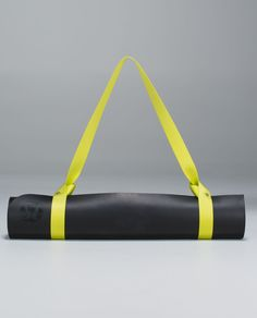 how to use a lululemon yoga mat strap