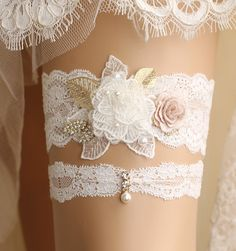 *Gorgeous handmade flower motif lace garter set It's perfect for your special…