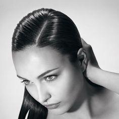 Según los últimos estudios, las españolas son las europeas que padecen mayor pérdida de cabello. Un 83% de las encuestadas dice sufrir caída capilar.  Si es tu caso, te gustara descubrir los beneficios de Aminexil, un revolucionario tratamiento profesional anticaída en monodosis, con el que lograrás salvar más de 140 cabellos al día.  Llámanos o ven a visitarnos y descubre todo lo que Aminexil puede hacer por ti.  #peluquería #salamanca #aminexil