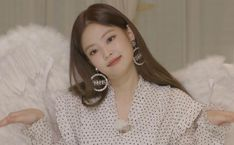 Jennie (blackpink ) x Channel Kim Jennie, Kpop Girl Groups, Korean Girl Groups, Kpop Girls, Yg Entertainment, Mamamoo, Blackpink Members, Blackpink Photos, Blackpink Fashion