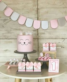 Toddler Birthday Themes, Third Birthday Girl, 2nd Birthday Party Themes, Girl Birthday Decorations, Birthday Table, Cat Birthday, First Birthday Parties, First Birthdays, Kitten Party