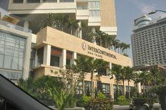 """InterContinental Nha Trang đạt chuẩn 5 sao  Năm 2015, Ông Pascal Caubo bày tỏ sự trân trọng của mình đến các đồng nghiệp:   """"Chứng nhận khách sạn đạt tiêu chuẩn 5 sao đã thể hiện được vị thế của khách sạn InterContinental Nha Trang tại Việt Nam cũng như đã phản ánh được tính chuyên nghiệp và sự hiệu quả của đội ngũ nhân viên khách sạn InterContinental...""""  Cùng Ninh Van Bay Holiday Club khám phá: http://t.co/rOTfVOAqlT"""