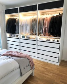 wardrobe Interior Design When most people move into a new home, there is some changes that they want Bedroom Closet Design, Room Ideas Bedroom, Home Decor Bedroom, Closet Designs, Closet Ideas For Small Spaces Bedroom, Wardrobe Room, Dressing Room Design, Cute Room Decor, Aesthetic Room Decor
