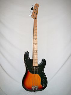 Indian Creek Guitars - Squier Vintage Modified Precision Bass TB - Three Tone Sunburst,  (http://www.indiancreekguitars.com/squier-vintage-modified-precision-bass-three-tone-sunburst/)