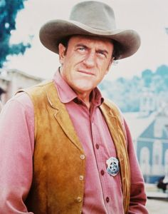 Watching James Arness as Marshall Matt Dillon in TV series, Gunsmoke Hollywood Actor, Classic Hollywood, Cowboy Up, Cowgirl Tuff, Cowgirl Style, Western Style, Matt Dillon, Tv Westerns, Great Western