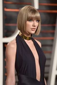 Taylor Swift attends the 2016 Vanity Fair Oscar Party 02.28.16
