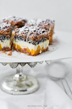Cheesecake with poppy seeds, coconut and peaches My baked goods- Sernik z makiem, kokosem i brzoskwiniami Polish Desserts, Polish Recipes, No Bake Desserts, Just Desserts, Dessert Recipes, Peach Cheesecake, Best Cheesecake, Cheesecake Recipes, Food For Memory