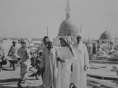 Here are some of the rare/unseen or very old images of Holy Kaaba (Khana Kaaba) and Prophet's Mosque (Masjid Al-Nabwi). (Click images for . Islamic Images, Islamic Pictures, Islamic Art, Islamic Studies, Al Masjid An Nabawi, Masjid Al Haram, Old Images, Old Pictures, History Of Islam
