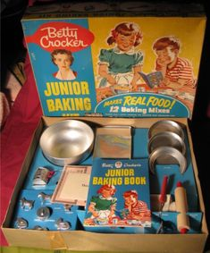 Vintage Betty Crocker Junior Baking Kit, 1953.