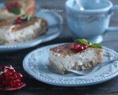 Вкусный, нежный ароматный десерт: диетический пирог с хурмой. Хурму можно заменить какими-нибудь другими фруктами или ягодами. В любом случае, будет очень вкусно и полезно. Я раньше не пробовала хурму