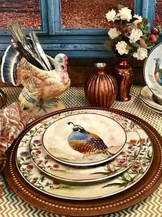 Pretty gold trimmed plates from Pottery Barn and vintage Napcoware turkey planter make a beautiful Thanksgiving tablescape. Thanksgiving Dinner Plates, Thanksgiving Tablescapes, Thanksgiving Decorations, Table Decorations, Fall Table Settings, Place Settings, Deco Table, A Table, Pottery Barn Fall