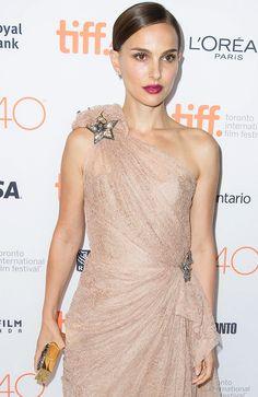 La delicadeza de Natalie Portman sobre la alfombra roja del Festival de Toronto con dos vestidos de Alta Costura de Dior y de Lanvin...