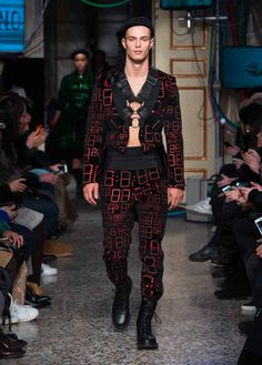 Moschino F/W17 Menswear and Women's pre-collection fashion show: see more on www.moschino.com!