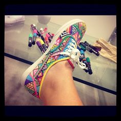 Good thing to do when you're bored. I want to get a white shoe and decorate it now!!! :D
