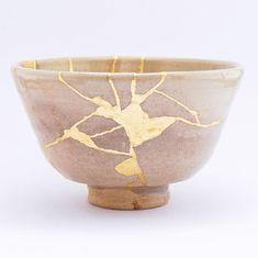 Kintsugi, Handmade Wooden, Handmade Crafts, Biscuit, Keramik Design, Art Japonais, Branding, Japanese Pottery, Deco Design