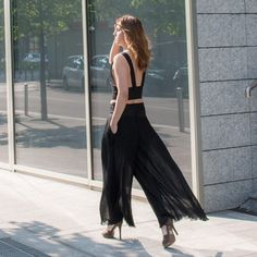 These Piece Of My Heart wide-leg pleated pants are chic and practical at the same time. Pleated Pants, Piece Of Me, Wide Leg, Legs, Black And White, Chic, Heart, Dresses, Fashion